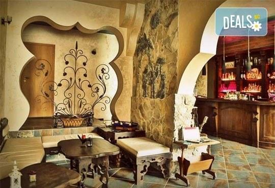 Почивка в семеен хотел Магнолия Гардън, Слънчев бряг! Една нощувка в едностаен или двустаен апартамент и безплатно ползване на басейн и шезлонг - Снимка 13
