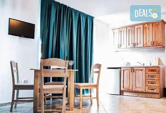 Почивка в семеен хотел Магнолия Гардън, Слънчев бряг! Една нощувка в едностаен или двустаен апартамент и безплатно ползване на басейн и шезлонг - Снимка 10