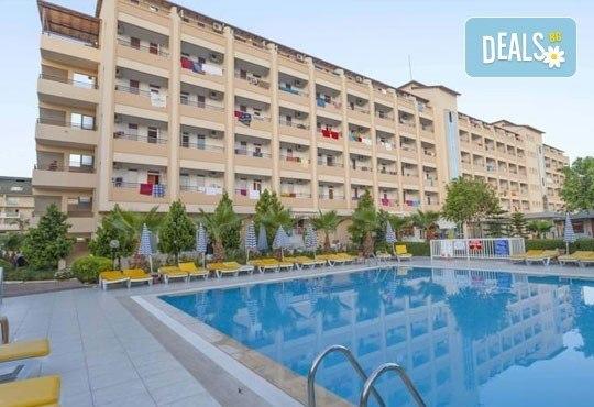 Лято в Анталия! 7 нощувки на база All Inclusive в хотел Eftalia Resort 4*, самолетен билет, летищни такси, трансфер, застраховка,с Аква Тур! - Снимка 5