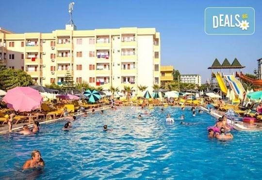 Лято в Анталия! 7 нощувки на база All Inclusive в хотел Eftalia Resort 4*, самолетен билет, летищни такси, трансфер, застраховка,с Аква Тур! - Снимка 9