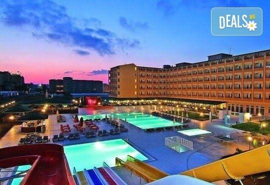 Лято в Анталия! 7 нощувки на база All Inclusive в хотел Eftalia Resort 4*, самолетен билет, летищни такси, трансфер, застраховка,с Аква Тур! - Снимка 1
