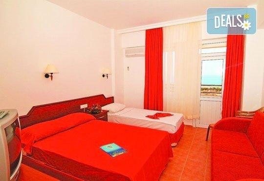 Лято в Анталия! 7 нощувки на база All Inclusive в хотел Eftalia Resort 4*, самолетен билет, летищни такси, трансфер, застраховка,с Аква Тур! - Снимка 3