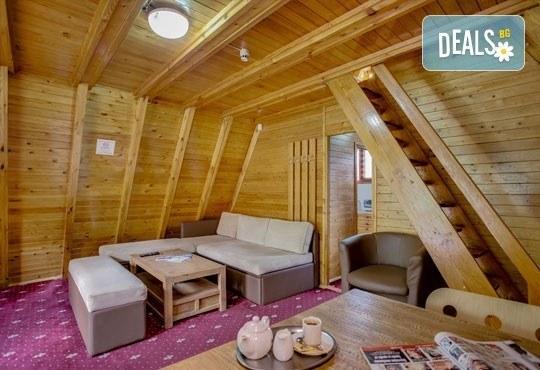 Почивка през юли и август в Пампорово, Вилно селище Малина! 2 или 3 нощувки в самостоятелна вила за двама или за трима/ четирима - Снимка 5