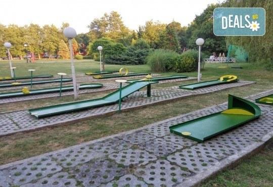 Страхотно забавление за малки и големи! 2 игри на мини голф от Мини Голф в к.к. Албена! - Снимка 6