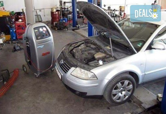 Профилактика на климатичната система на автомобил в автосервиз Стършел - Снимка 4