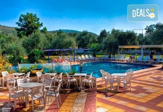 Лятна почивка на о. Тасос, Гърция! 5 нощувки със закуски в Astris Sun Hotel 2*+ в Астрис, от ТА Ревери! - Снимка 1