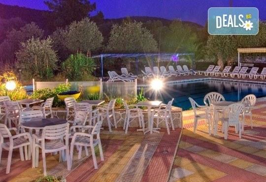 Лятна почивка на о. Тасос, Гърция! 5 нощувки със закуски в Astris Sun Hotel 2*+ в Астрис, от ТА Ревери! - Снимка 7