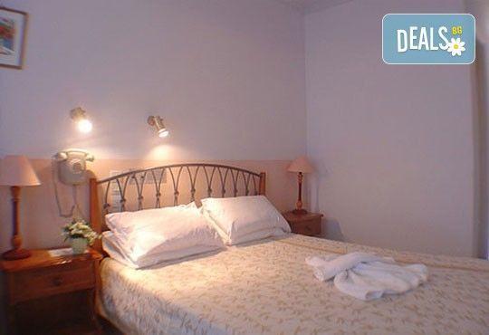 Гореща лятна почивка в Sunrise Hotel 3*, Никиана, о. Лефкада! 5 нощувки със закуски, транспорт и екскурзовод! - Снимка 3