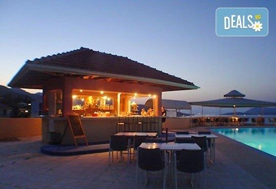 Гореща лятна почивка в Sunrise Hotel 3*, Никиана, о. Лефкада! 5 нощувки със закуски, транспорт и екскурзовод! - Снимка 8