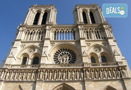 Уикенд в Париж със самолет от юли до октомври: 3 нощувки, закуски, самолетен билет и туристическа програма от София Тур! - Снимка 4