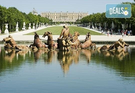 Уикенд в Париж със самолет от юли до октомври: 3 нощувки, закуски, самолетен билет и туристическа програма от София Тур! - Снимка 7