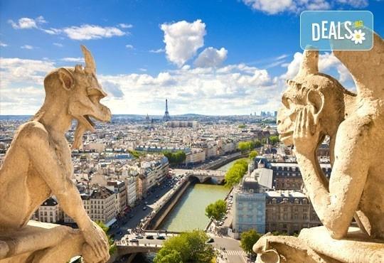 Уикенд в Париж със самолет от юли до октомври: 3 нощувки, закуски, самолетен билет и туристическа програма от София Тур! - Снимка 3
