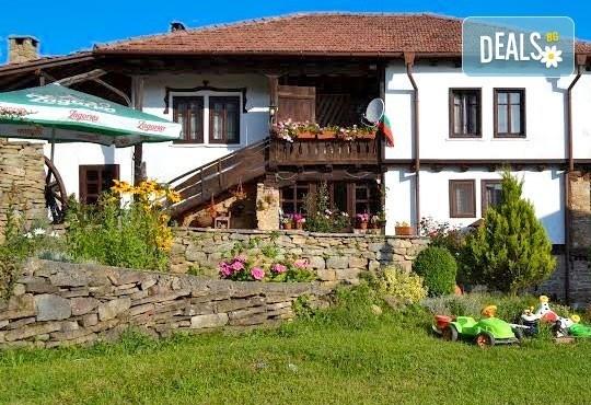 Почивка в Балканджийска къща, с. Живко: 2 закуски, 2 вечери, 1 обяд и конен преход до езеро Беляковец! - Снимка 10