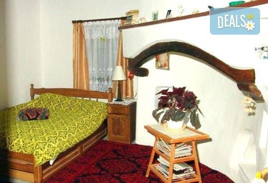 Почивка в Балканджийска къща, с. Живко: 2 закуски, 2 вечери, 1 обяд и конен преход до езеро Беляковец! - Снимка 3