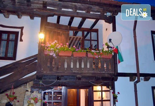 Почивка в Балканджийска къща, с. Живко: 2 закуски, 2 вечери, 1 обяд и конен преход до езеро Беляковец! - Снимка 8