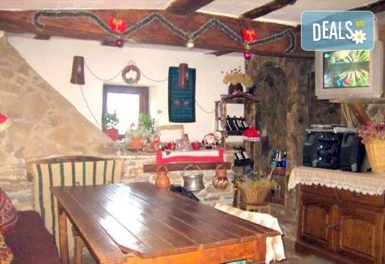 Почивка в Балканджийска къща, с. Живко: 2 закуски, 2 вечери, 1 обяд и конен преход до езеро Беляковец! - Снимка 5