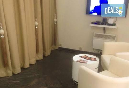 Предложение за дамите! Лазерна SHR епилация на зона по избор за жени в Poly Dreams Beauty Center! - Снимка 4