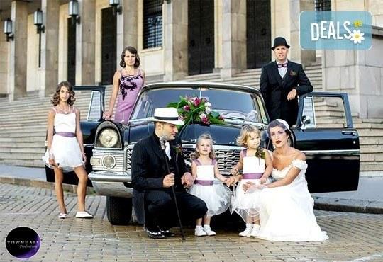 Фото и видео заснемане на сватбено тържество, неогранични кадри, видеоклип, фотокнига и още подаръци, от Townhall Productions! - Снимка 1