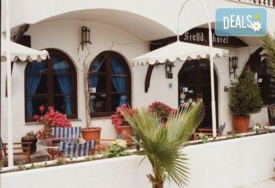 Почивка в Гърция през септември! 3 нощувки със закуски и вечери в Stella 3*, Паралия Катерини, възможност за транспорт от Ариес Холидейз! - Снимка 3