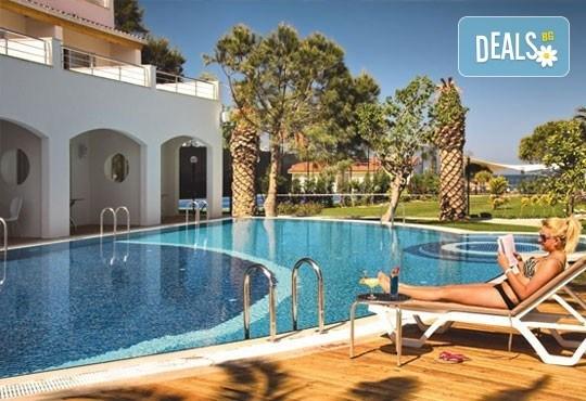 All Inclusive почивка през септември в Batihan Beach Resort 4*+, Кушадасъ! 5 нощувки, възможност за транспорт, от Вени Травел! - Снимка 1