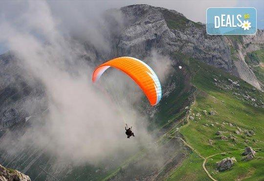 Тандемен полет с двуместен парапланер на 5 км от София + заснемане с HD GoPro action камера от Extreme sport! - Снимка 5
