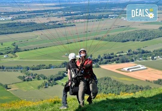 Тандемен полет с двуместен парапланер на 5 км от София + заснемане с HD GoPro action камера от Extreme sport! - Снимка 1