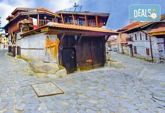 През август екскурзия до Банско, Драма и пещерата Маара, с възможност за посещение на Кавала, Добърско и Лещен: 2 нощувки със закуски и вечери в Тофана 3*! - Снимка 1