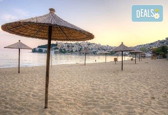 На плаж всяка събота в в Гърция - Неа Ираклица, Кавала! Еднодневна екскурзия с транспорт и водач от Комфорт Травел! - Снимка 2