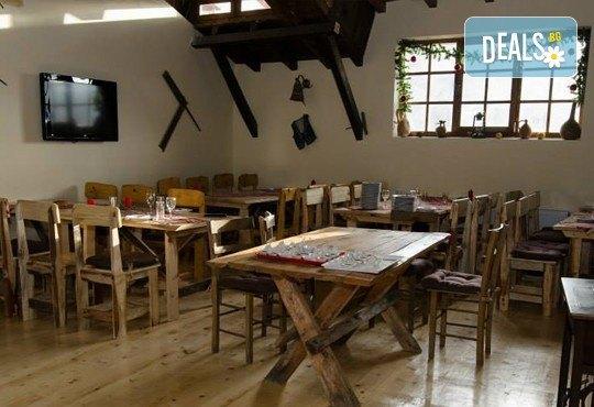 През септември в Етно село СРНА с Дениз Травел! 2 дни, 1 нощувка, закуска и вечеря с жива музика и неограничени напитки, транспорт! - Снимка 5