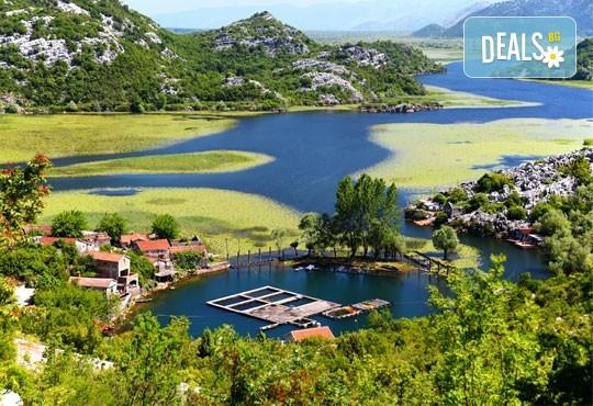 Гореща лятна почивка в Villa Palma 4*, Дуръс, Албания! 5 нощувки със закуски и вечери, транспорт, посещение на Скопие и Охрид! - Снимка 11