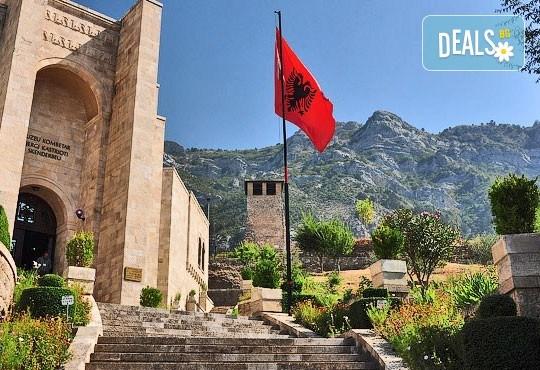 Гореща лятна почивка в Villa Palma 4*, Дуръс, Албания! 5 нощувки със закуски и вечери, транспорт, посещение на Скопие и Охрид! - Снимка 2