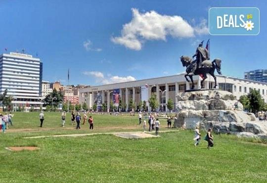 Гореща лятна почивка в Villa Palma 4*, Дуръс, Албания! 5 нощувки със закуски и вечери, транспорт, посещение на Скопие и Охрид! - Снимка 3