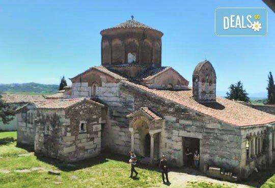 Гореща лятна почивка в Villa Palma 4*, Дуръс, Албания! 5 нощувки със закуски и вечери, транспорт, посещение на Скопие и Охрид! - Снимка 4