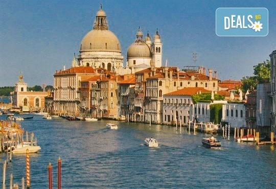 Самолетна екскурзия до Венеция в период по избор със Z Tour! 4 нощувки със закуски в хотел 3*, билет, летищни такси и трансфер! - Снимка 4