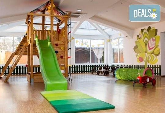 Една седмица целодневна занималня за деца над 3 г. в детски парти клуб Цветна градина! - Снимка 1