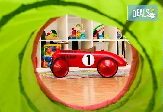 Една седмица целодневна занималня за деца над 3 г. в детски парти клуб Цветна градина! - Снимка 2