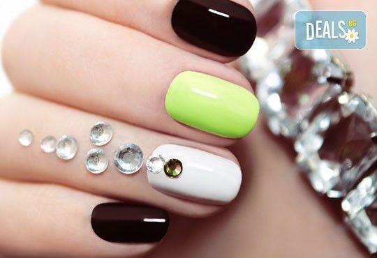 Впечатляващи нокти! Класически маникюр с Gelish или Bluesky и 2 камъчета с елементи на Swarovski в салон за красота Виктория! - Снимка 1