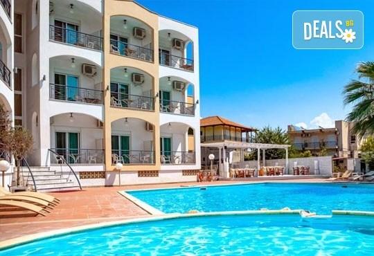 На море през септември в Гърция! 3 нощувки със закуски и вечери в Rentina Beach Hotel 2*, Ставрос , Халкидики, от ТА Ревери - Снимка 9