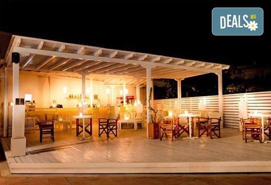 На море през септември в Гърция! 3 нощувки със закуски и вечери в Rentina Beach Hotel 2*, Ставрос , Халкидики, от ТА Ревери - Снимка 6