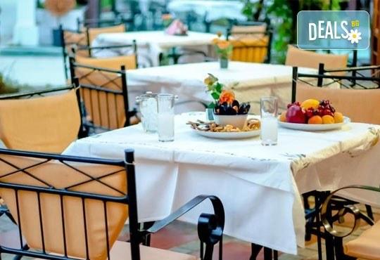 На море през септември в Гърция! 3 нощувки със закуски и вечери в Rentina Beach Hotel 2*, Ставрос , Халкидики, от ТА Ревери - Снимка 7