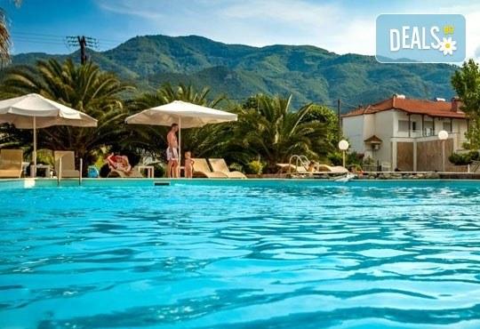 На море през септември в Гърция! 3 нощувки със закуски и вечери в Rentina Beach Hotel 2*, Ставрос , Халкидики, от ТА Ревери - Снимка 3