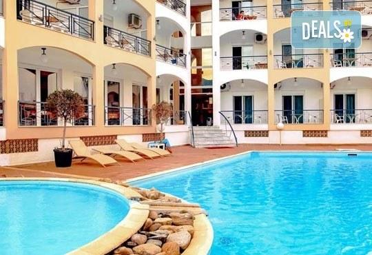 На море през септември в Гърция! 3 нощувки със закуски и вечери в Rentina Beach Hotel 2*, Ставрос , Халкидики, от ТА Ревери - Снимка 10
