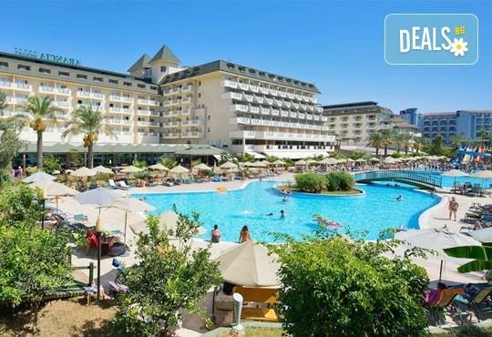 Специална цена за почивка, октомври, Анталия! 7 нощувки на база Ultra All, хотел M.C Arancia Resort 5*, възможност за 2 вида транспорт! - Снимка 2