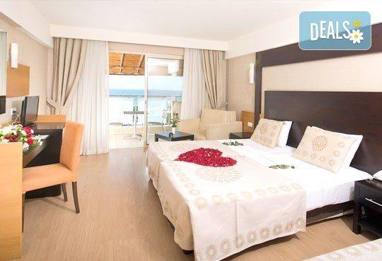 Специална цена за почивка, октомври, Анталия! 7 нощувки на база Ultra All, хотел M.C Arancia Resort 5*, възможност за 2 вида транспорт! - Снимка 3