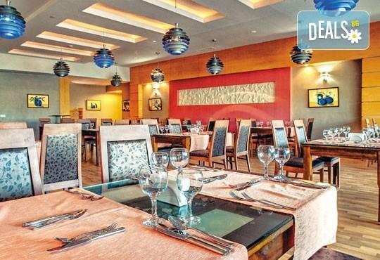 Специална цена за почивка, октомври, Анталия! 7 нощувки на база Ultra All, хотел M.C Arancia Resort 5*, възможност за 2 вида транспорт! - Снимка 7