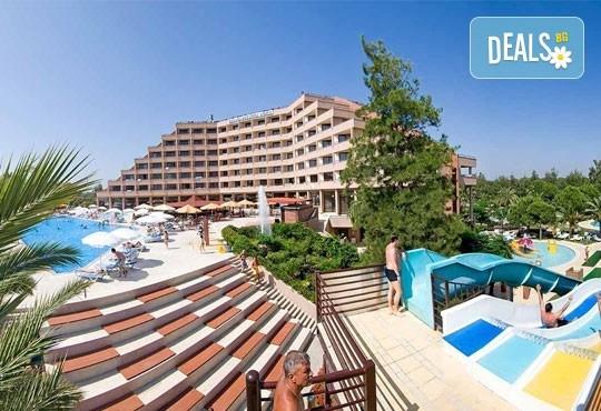 Специална цена за почивка през октомври в Сиде, Анталия! 7 нощувки Ultra All, Grand Prestige Hotel & Spa 5*, възможност за 2 вида транспорт! - Снимка 2