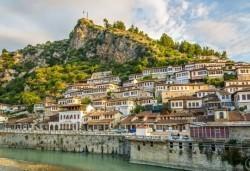 През септември или октомври в Дуръс, Албания: 2 нощувки със закуски, транспорт