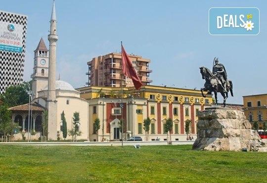 Екскурзия до Албания за септемврийските празници! 3 нощувки със закуски в хотел 2*/3* в Дуръс, транспорт и програма в Скопие и Струга! - Снимка 1