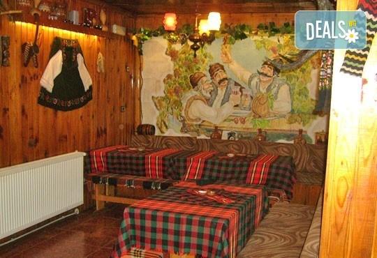 Почивка в Боровец! 2 или 3 нощувки с или без закуска по избор в къща за гости Даньо, Самоков! - Снимка 4