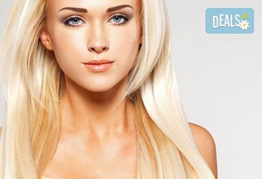 Плътна и жива коса, пълна с блясък! Хиалуронова терапия за коса в Студио за красота Denny Divine! - Снимка 1
